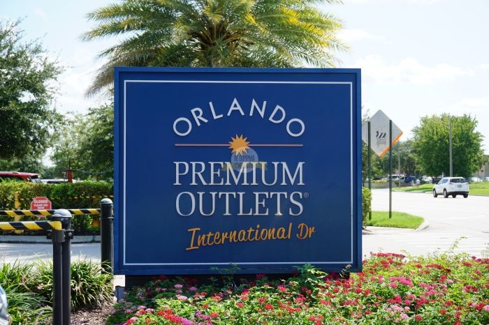 Cartel Orlando Premium Outlets International.jpg