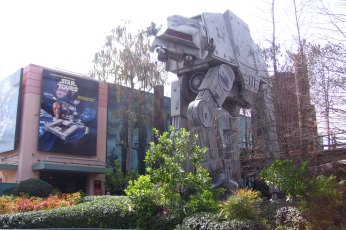 star_tours_mgm_outside